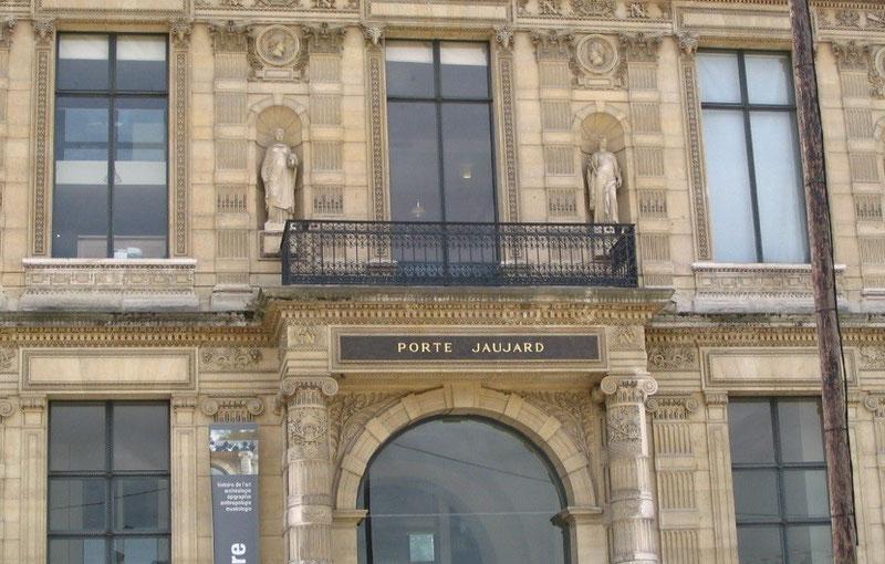 L'évacuation du Louvre Zfer19
