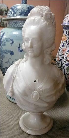 A vendre: bustes Marie Antoinette - Page 10 Zzzz25