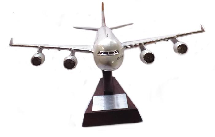 Regalos relacionados con la aviación A340-310