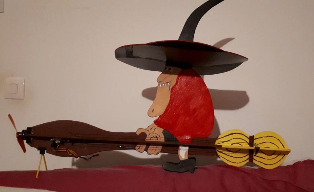 Une sorcière volante . 0411