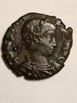 AE4 de Constancio II, cuño no oficial. FEL TEMP REPARATIO. Soldado romano alanceando a soldado caído.  A-roma17