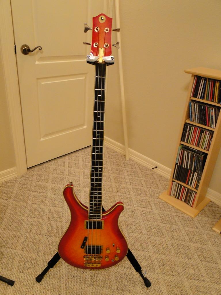Odyssey Bass. Od110