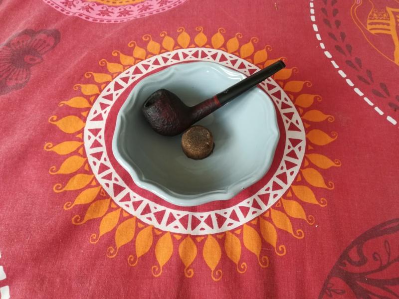 Cendrier pour pipe avec le champignon en liège Img_2029