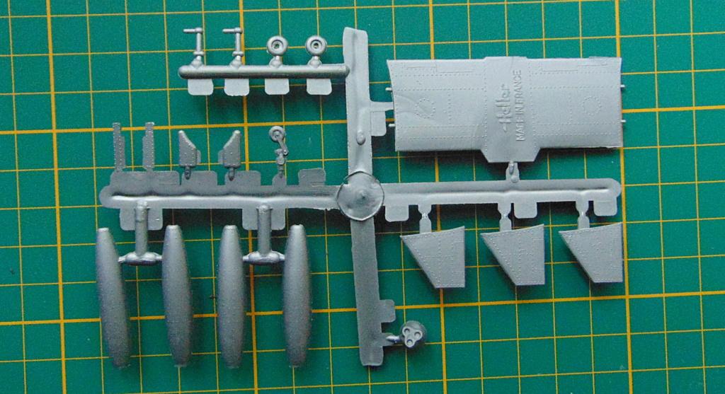 Montage chrono [HELLER Rapid Kit] SNCASO SO 9000 TRIDENT 1/100ème Réf 79725 Grappe83