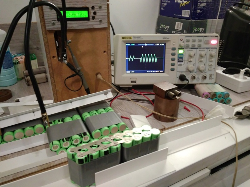 Proyecto con Cyclone 3000W, paquete de baterías casero y electrónica. First_10