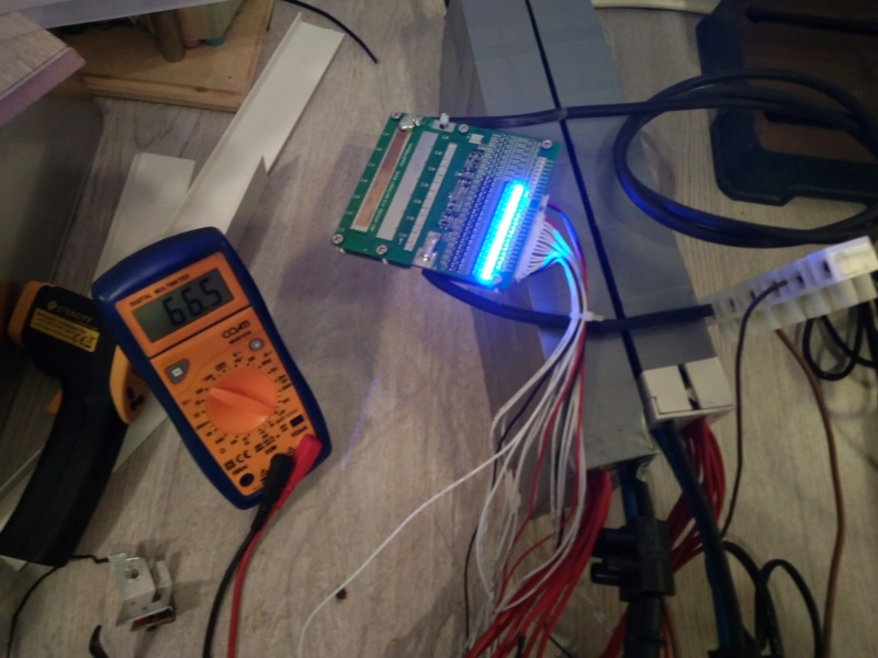 Proyecto con Cyclone 3000W, paquete de baterías casero y electrónica. Img_2011