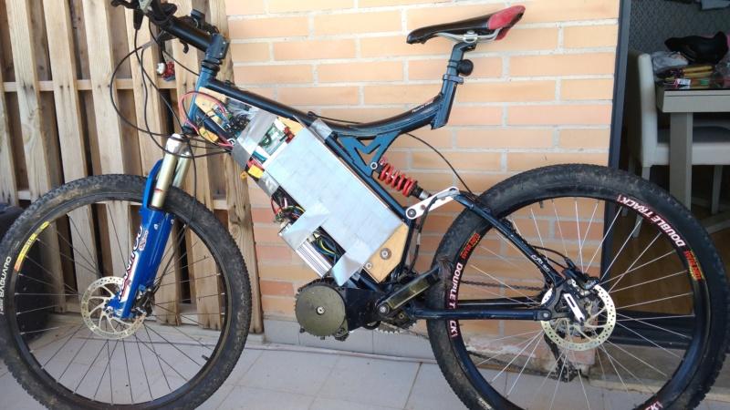 Proyecto con Cyclone 3000W, paquete de baterías casero y electrónica. Img_2013