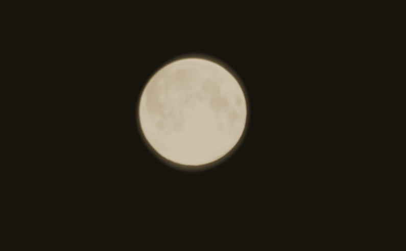 The Moon/La Lune. - Page 15 Img_4012
