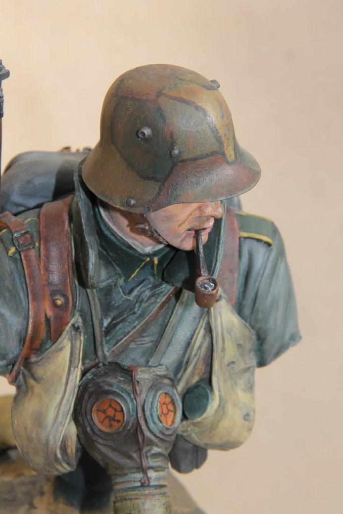 German Stormtrooper WW1 von Young Miniatures in 1:10 Wk1-1a10