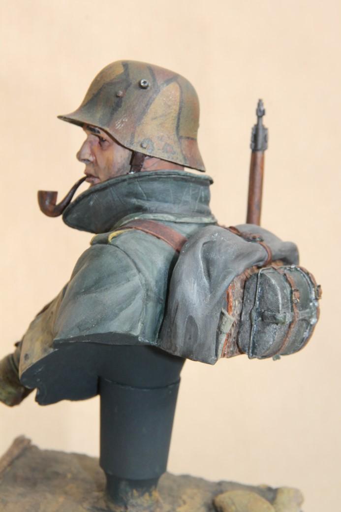 German Stormtrooper WW1 von Young Miniatures in 1:10 Wk1-1c10