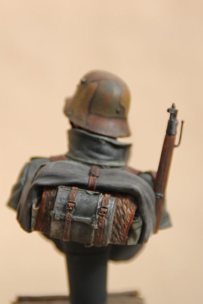German Stormtrooper WW1 von Young Miniatures in 1:10 Wk1-1d10