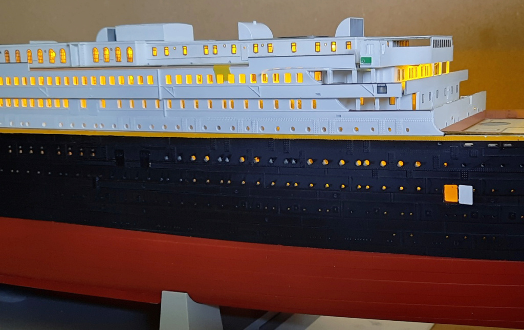 Montage Titanic Trumpeter 1/200 - Page 10 20210325