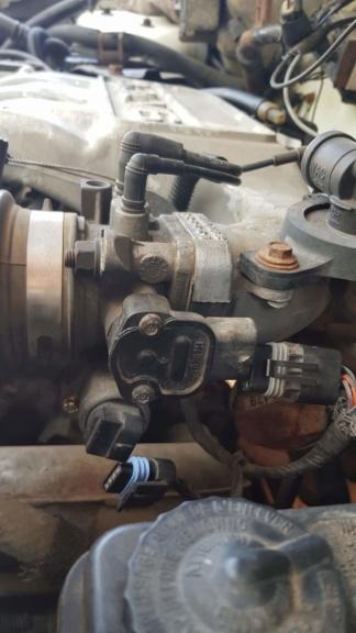 TUTO S2 Remplacement moteur de ralenti 4_dzob10