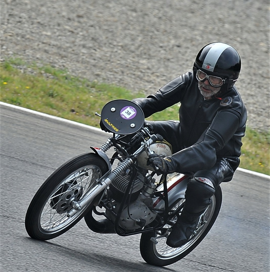 Bultaco GP 175 - Pájaro Loco - Página 3 Ph3_6510