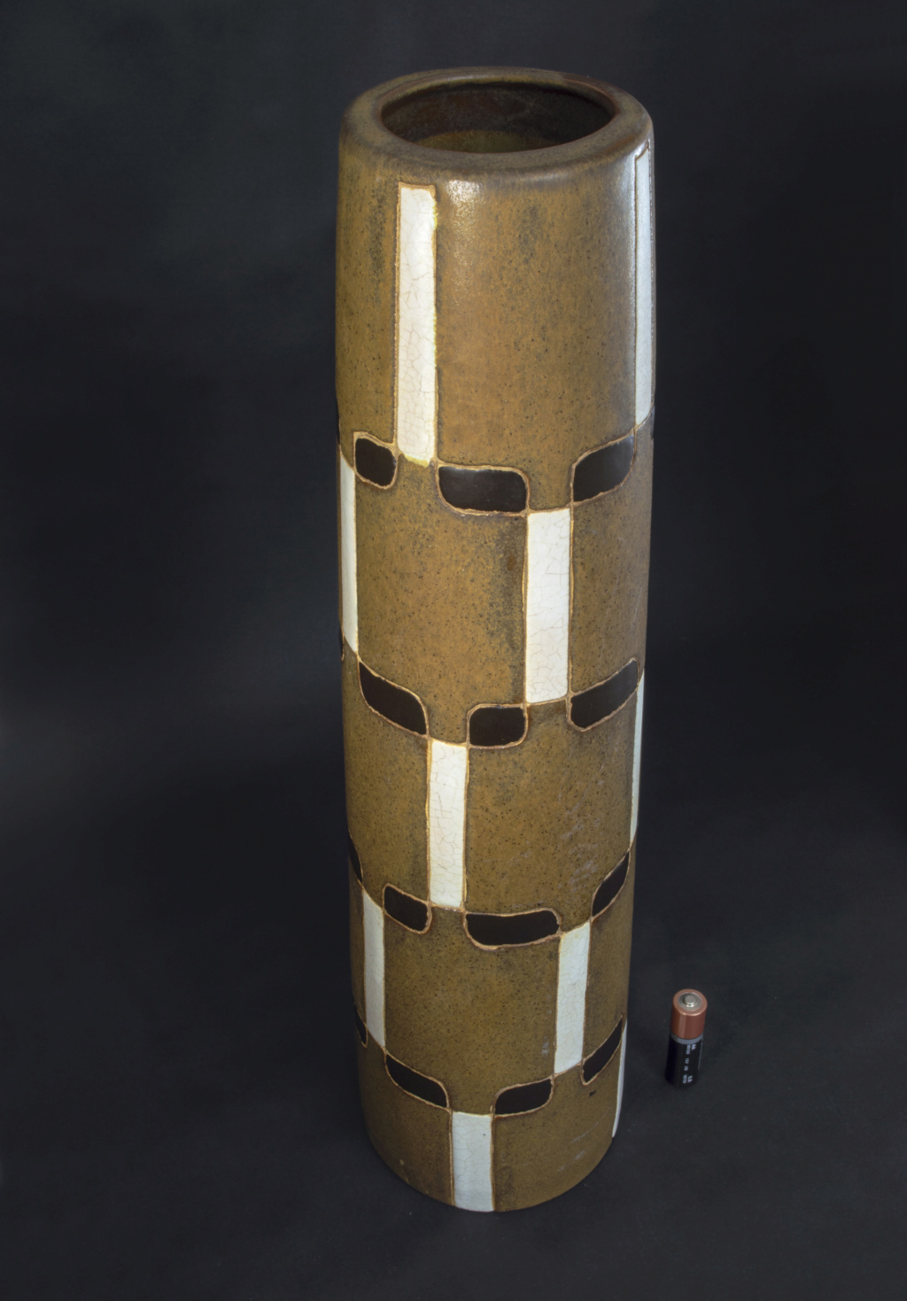 Tall Brown Cylinder Grid Pattern Ceramic Vase (something or nothing?) Dsc_0014