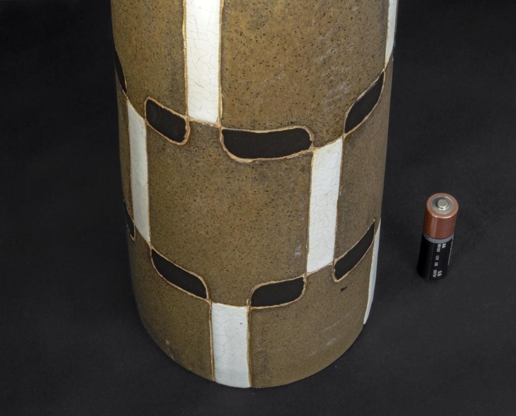 Tall Brown Cylinder Grid Pattern Ceramic Vase (something or nothing?) Dsc_0015