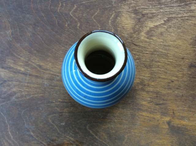 Blue and white linear lined small pot. Stamped and numbered 6/25 Babbacombe 6c0a8a10