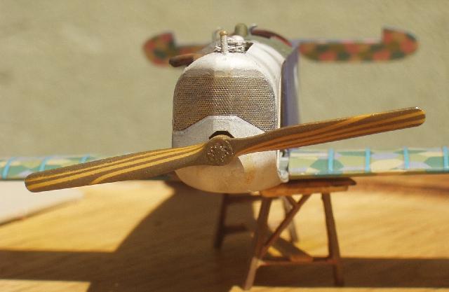 représenter une hélice en bois Cb01510