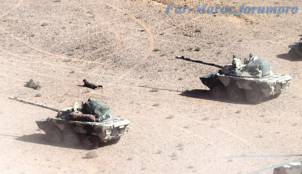 Photos - Véhicules blindées / Armored Vehicles, APC and IFV Clipbo12