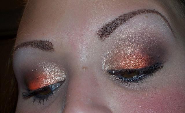 Idée de maquillage - Page 8 29596911