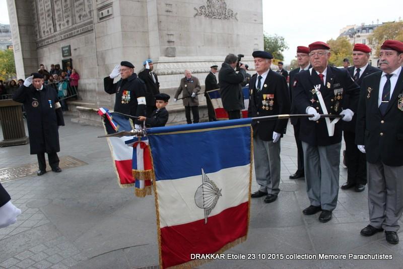 Cérémonie Drakkar 2015 remontée des Champs Elysées et cérémonie sous l'Arche Immense 051-im10