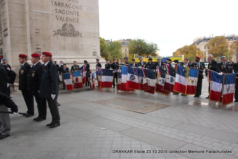 Cérémonie Drakkar 2015 remontée des Champs Elysées et cérémonie sous l'Arche Immense 053-im10