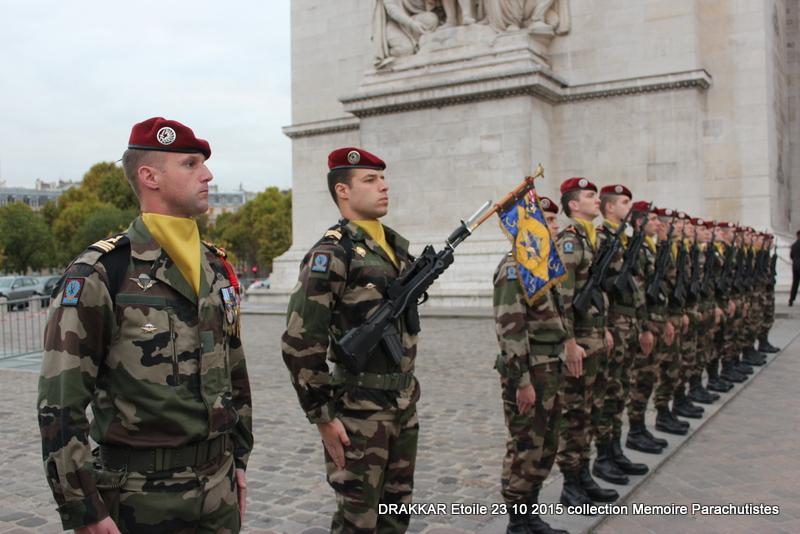 Cérémonie Drakkar 2015 remontée des Champs Elysées et cérémonie sous l'Arche Immense 064-im10