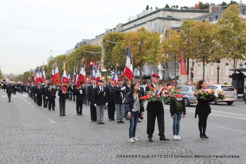 Cérémonie Drakkar 2015 remontée des Champs Elysées et cérémonie sous l'Arche Immense 070-im10