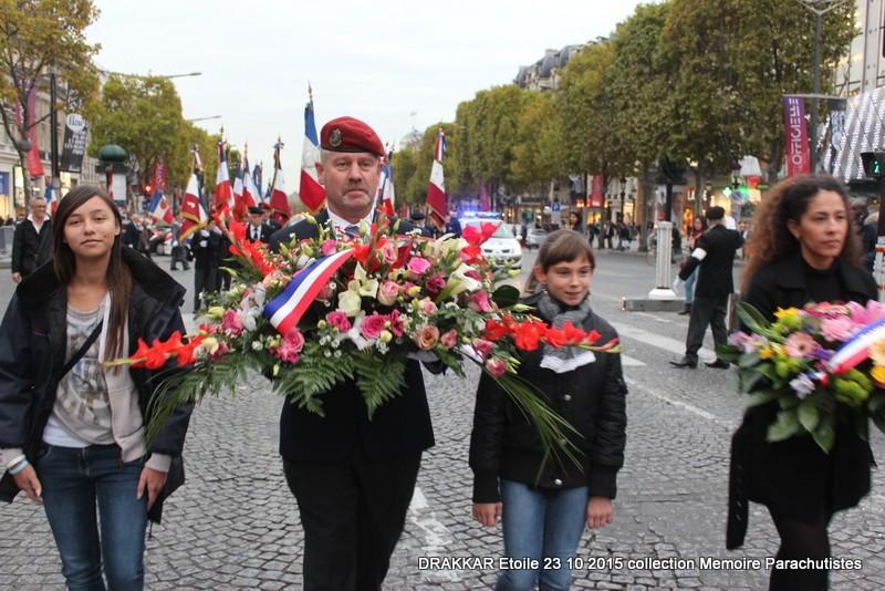 Cérémonie Drakkar 2015 remontée des Champs Elysées et cérémonie sous l'Arche Immense 073-im10