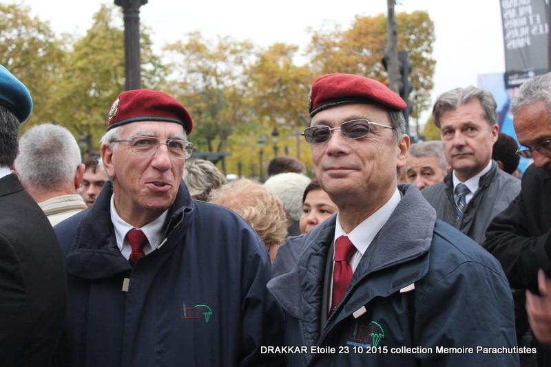 Cérémonie Drakkar: Arrivée des participants sur les Champs-Elysées 076-im10