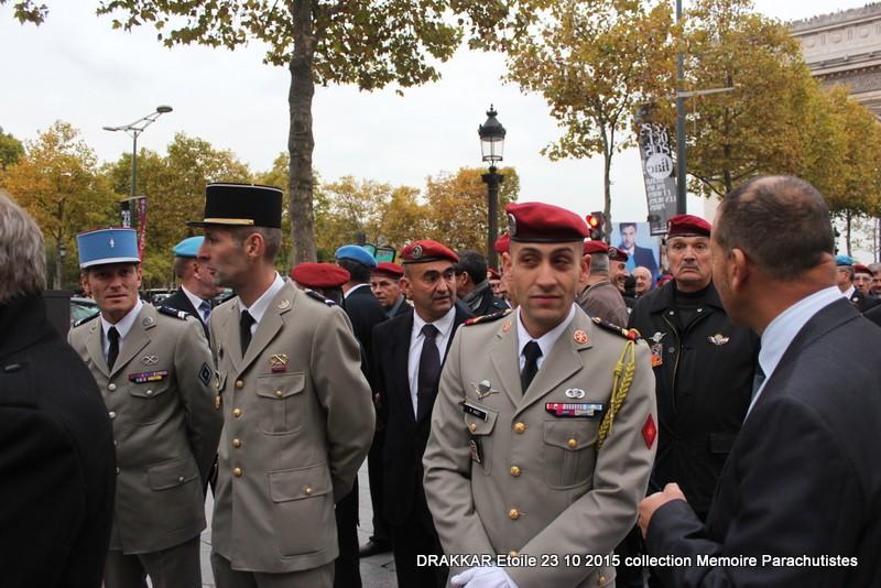Cérémonie Drakkar: Arrivée des participants sur les Champs-Elysées 080-im10