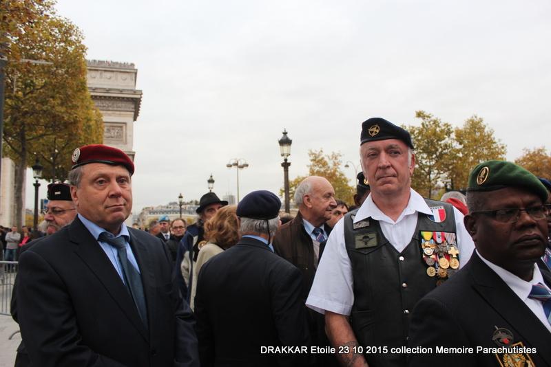 Cérémonie Drakkar: Arrivée des participants sur les Champs-Elysées 082-im10