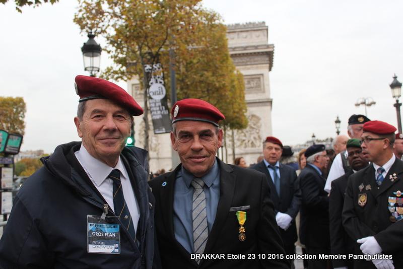 Cérémonie Drakkar: Arrivée des participants sur les Champs-Elysées 086-im10