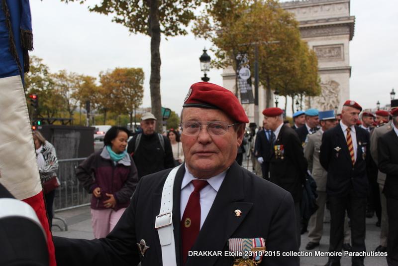 Cérémonie Drakkar: Arrivée des participants sur les Champs-Elysées 090-im10