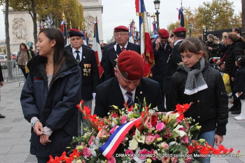 Cérémonie Drakkar: Arrivée des participants sur les Champs-Elysées 097-im10