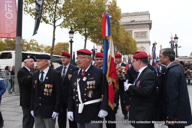 Cérémonie Drakkar: Arrivée des participants sur les Champs-Elysées 098-im10