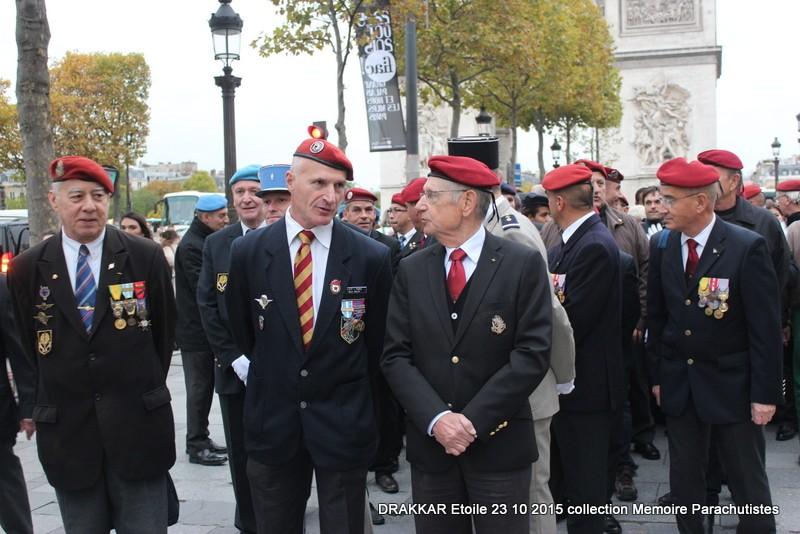 Cérémonie Drakkar: Arrivée des participants sur les Champs-Elysées 099-im10
