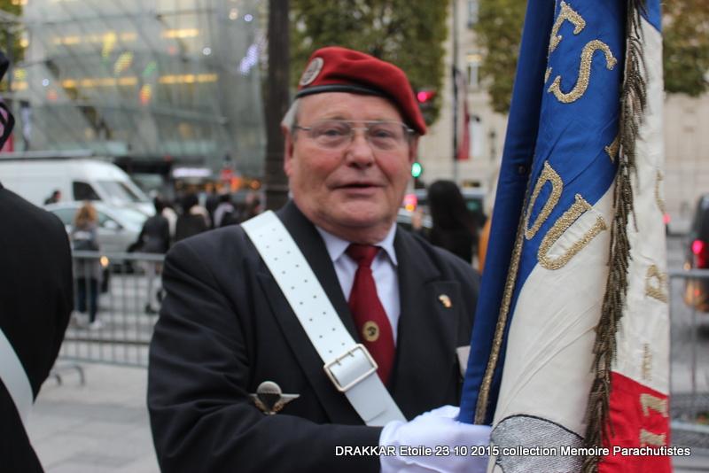 Cérémonie Drakkar: Arrivée des participants sur les Champs-Elysées 101-im10