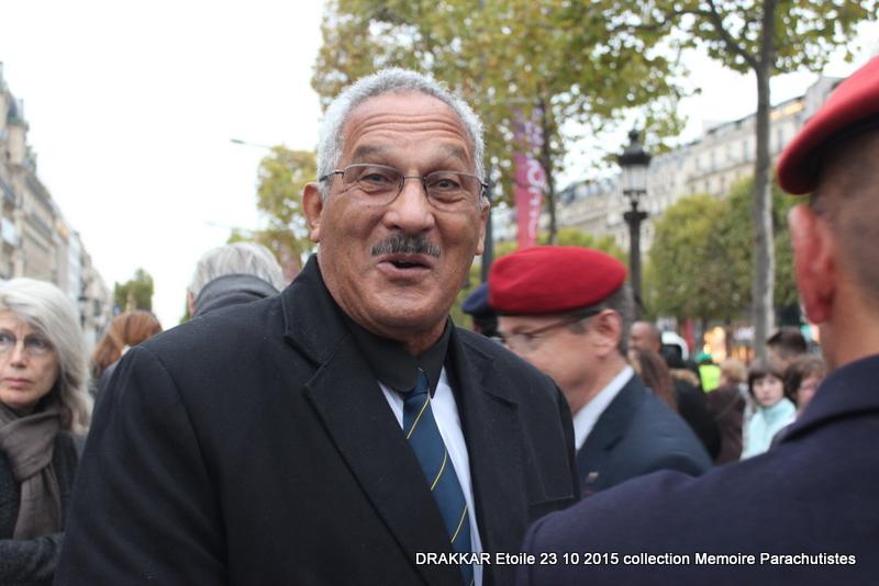 Cérémonie Drakkar: Arrivée des participants sur les Champs-Elysées 103-im10