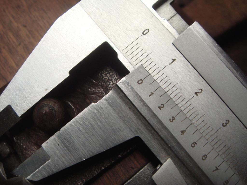"""Besoin info bouton """"pion"""" pour brelage cuir étui C 96 ?? Dsc02515"""