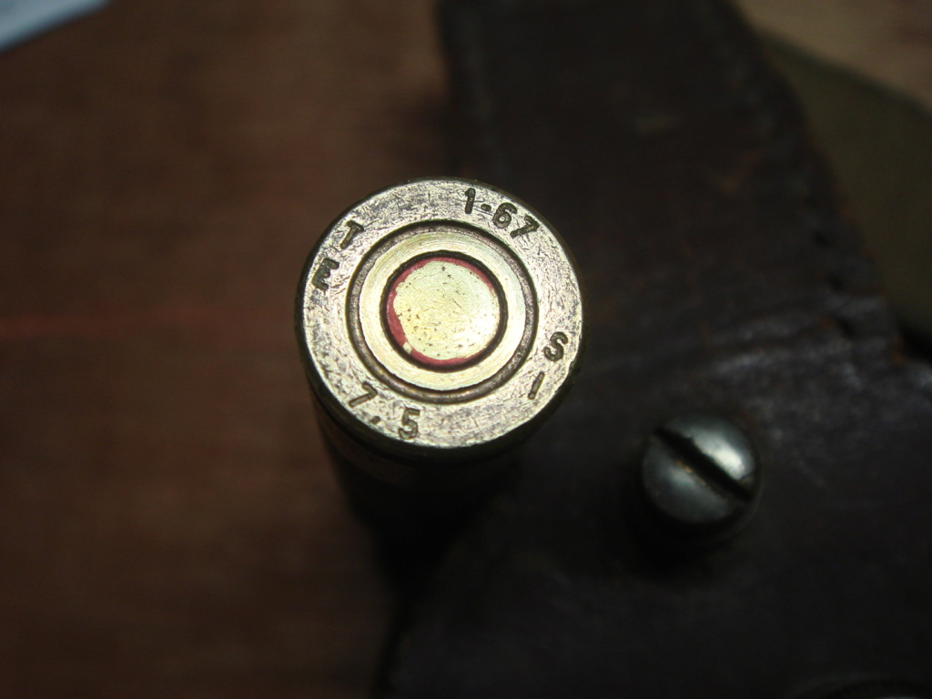 """Deux cartouches """"feuillettes"""" identifiées : pour grenade à fusil à empennage de 22mm (MAS 36/51) Dsc02620"""