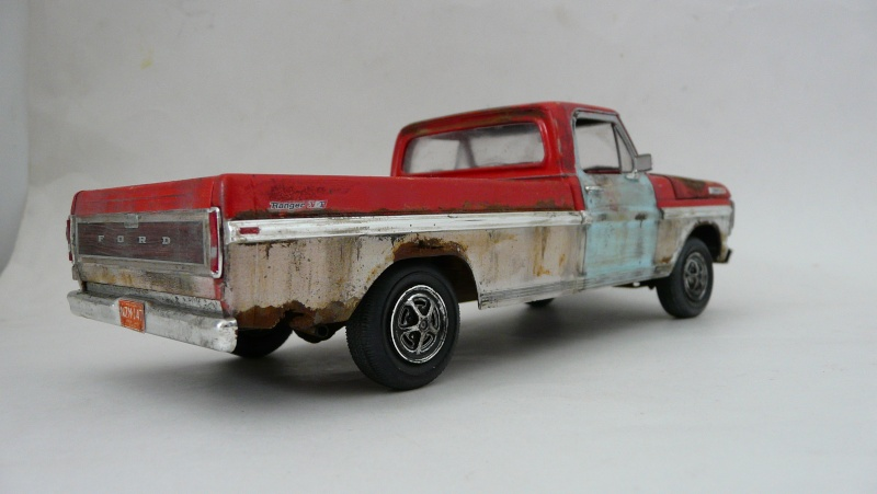 Ford Ranger XLT 1971 1/25 - Rusty farm truck. - Page 2 P1240014
