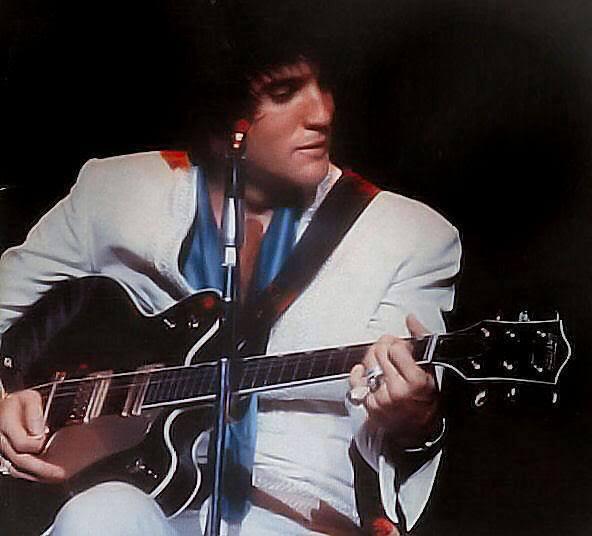 Elvis et sa Country Gentleman... Zz10