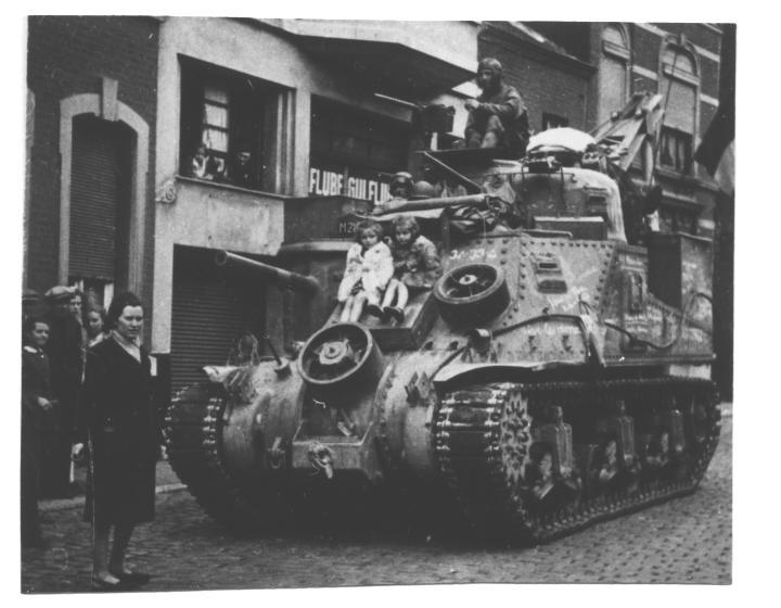M3 LEE modifié en M 31 RECOVERY...  (En cours!!!) Vaux0110