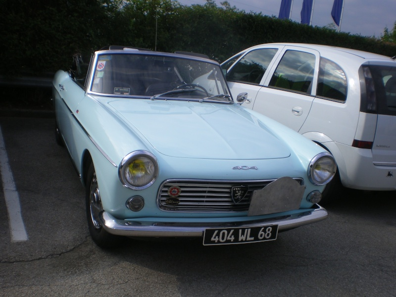 """rassemblement annuel du """"club 404 coupe cab""""..a BESANCON.. 404_0017"""