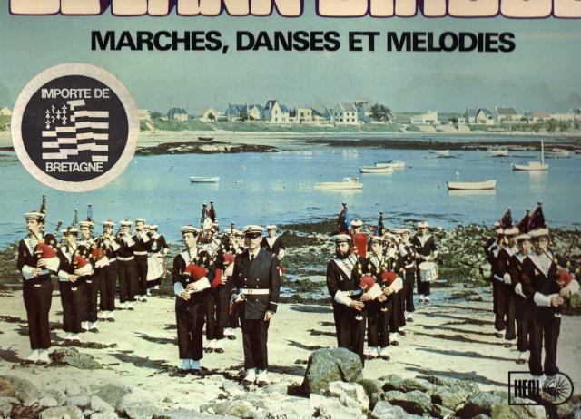 [La musique dans la Marine] Bagad de Lann-Bihoué - Page 4 Img00610