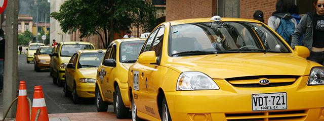 Vds Véritable coiffe de taxi Colombien (Acheté à Bogota) Taxis10