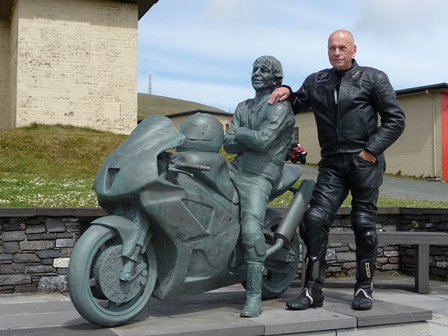 Y a des amateurs de motos ici ? - Page 3 P1040310