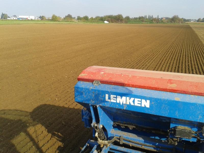 Debut des semis de blé - Page 2 20151013