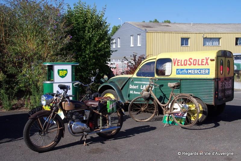 Photos et cartes postale 2cv camionnette  - Page 5 Rassem10